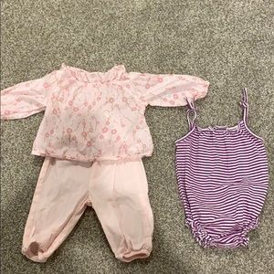 GAP girls outfit and romper 0-3 Months
